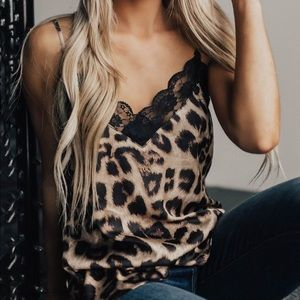 Tops - Leopard prints lace cami tops